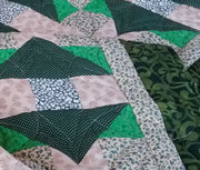 'The Green Arrow' lap quilt